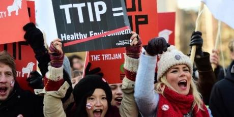 Πολίτες ενάντια στην TTIP